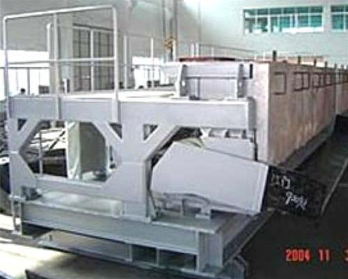 玻璃(li)窯爐加料機
